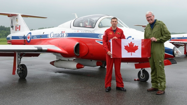 Canadian Forces Snowbirds with Kevin Vickers