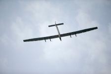 Solar plane flies over Hawaii