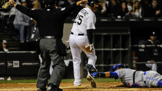 White Sox edge Blue Jays