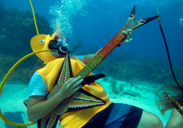 under the sea radio broadcast below the ocean surface draws