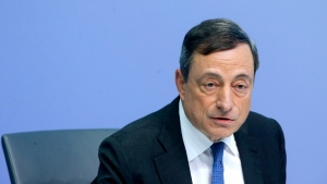President of European Central Bank, ECB, Mario Draghi speaks during a news conference following the meeting of the Governing Council of the ECB in Frankfurt, Germany, Thursday, July 16, 2015. (AP / Michael Probst)