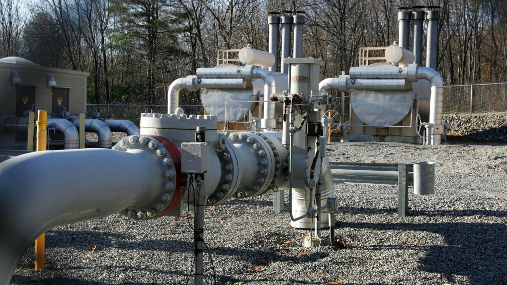 No reality to natural gas pipeline's promised economic, environmental benefits: economists