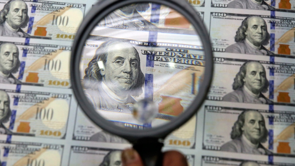 Euro gains in global use, but U.S. dollar still dominates
