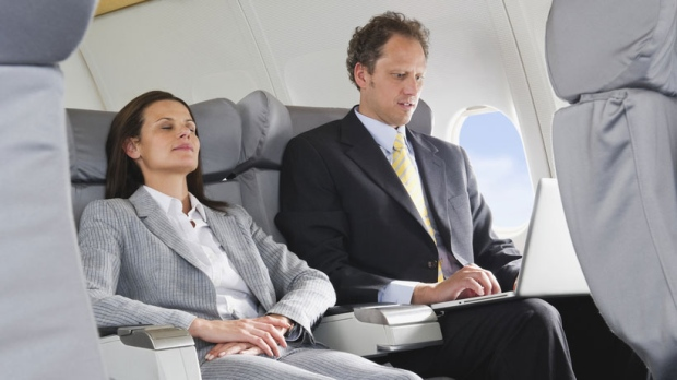 Advice from sleep experts: 5 tips to beat jet lag