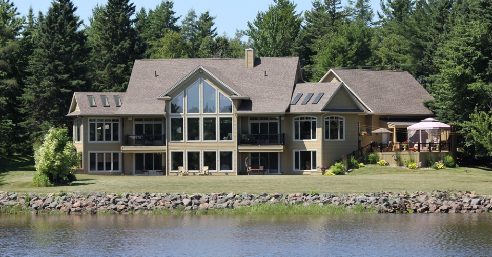 Photos Homes Of The Month Waterfront Properties