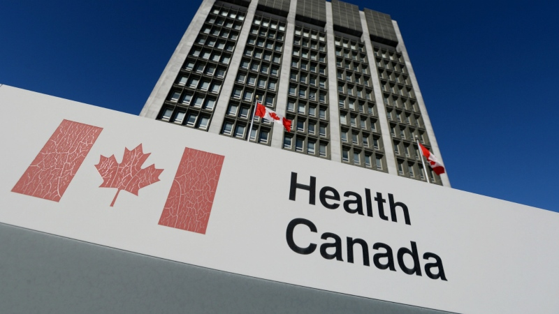 A sign is displayed in front of Health Canada headquarters in Ottawa on Jan. 3, 2014. (Sean Kilpatrick/The Canadian Press)