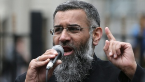 Anjem Choudary speaks following prayers at the Central London Mosque in Regent's Park, London, on April 3, 2015. (AP / Tim Ireland)