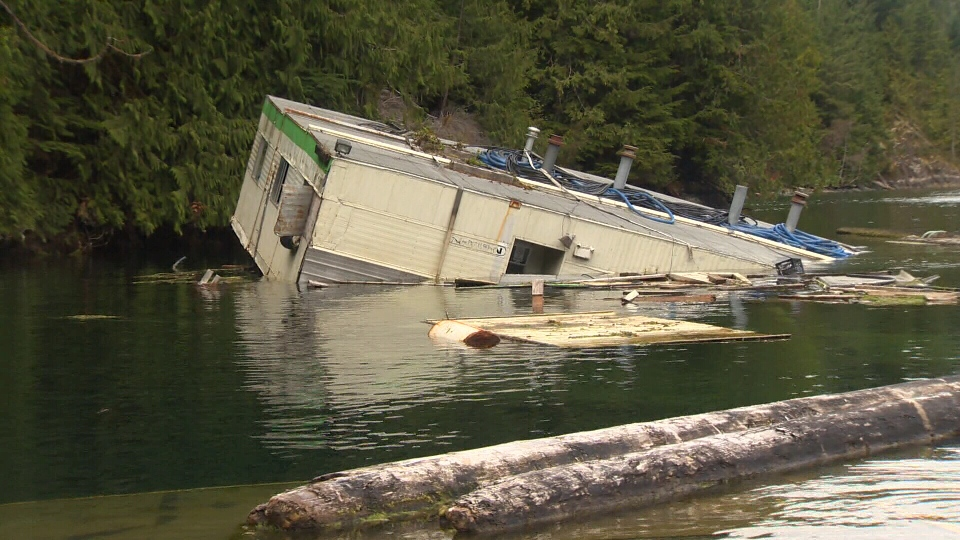 Residents Say Sunken Barge Poses Environmental Risk To