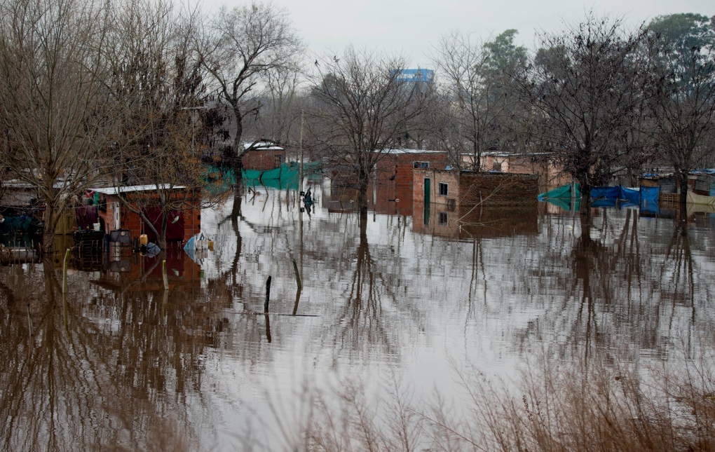 Thousands evacuated after flooding in Argentina
