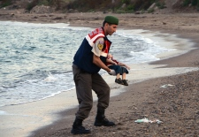 Alan Kurdi child migrant boy