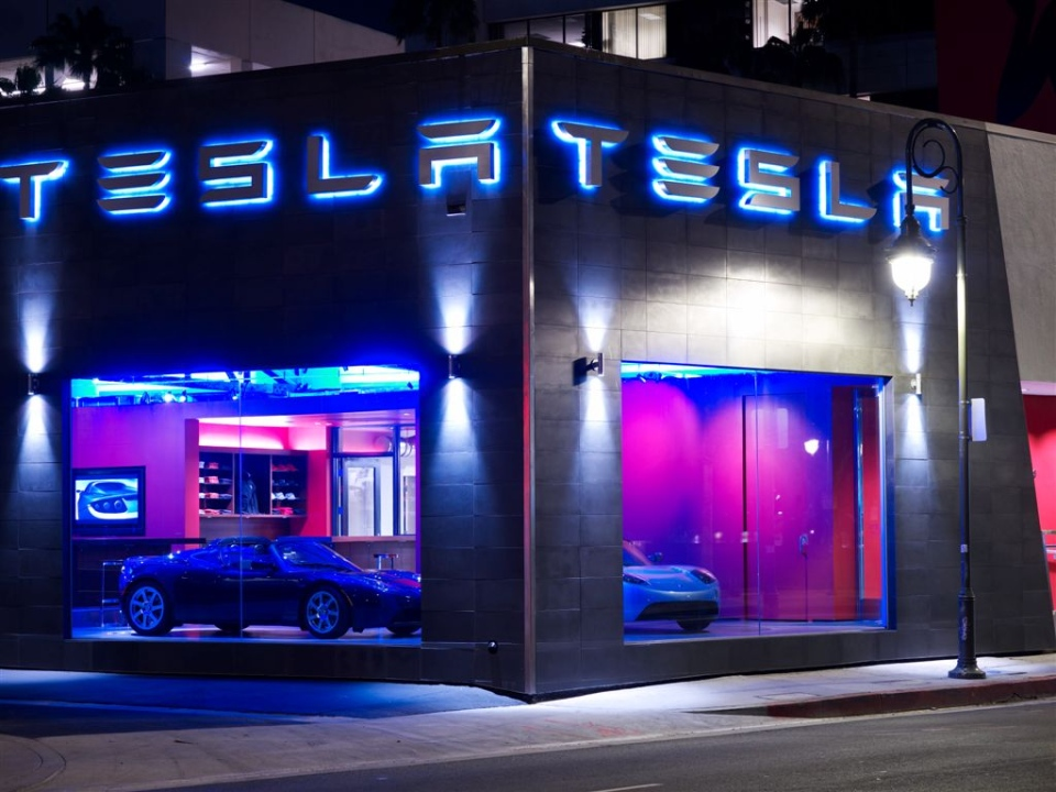 A Tesla Store in Los Angeles, Calif. (Tesla Motors)