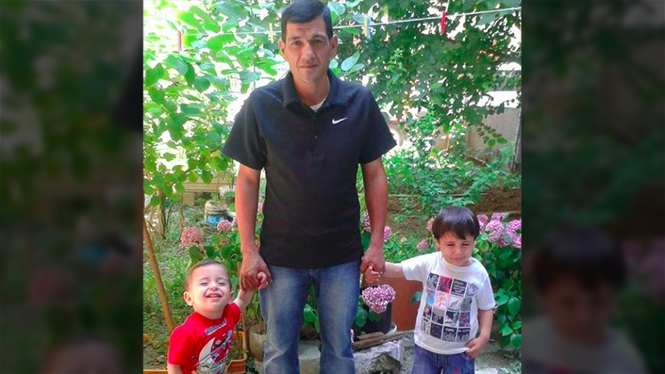 Abdullah Kurdi with his sons Alan, left, and Galib. (Bluu Ali)