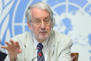 Paulo Pinheiro, Chairperson/ Member Commission of Inquiry on the Syrian Arab Republic, speaks during a press conference about the launch of latest report by the Commission to the Human Rights Council, at the European headquarters of the United Nations, in Geneva, Switzerland, Thursday, Sept, 3, 2015. (Martial Trezzini / Keystone via AP)