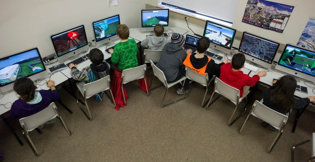Microsoft to roll out 39 minecraft education edition 39 in may for Michaels arts and crafts class schedule