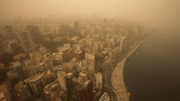 Unseasonal sandstorm hits Lebanon and Syria
