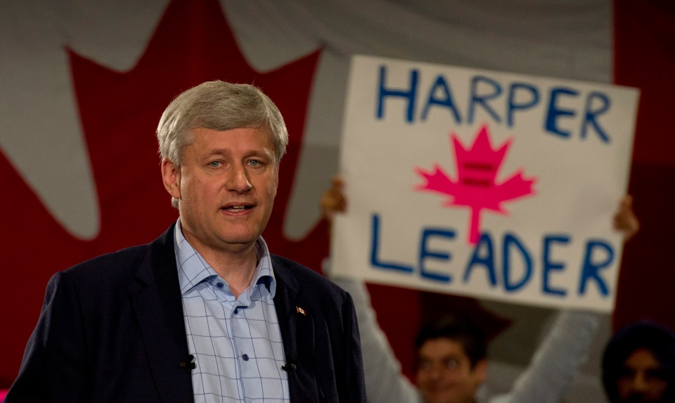 Conservative leader Stephen Harper delivers his campaign speech during a campaign stop in Mississauga, Ont., on Tuesday, September 8, 2015. (Adrian Wyld / THE CANADIAN PRESS)