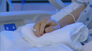 Quebec's College of Physicians has released a guide on how health professionals should handle Quebec's law on medically-assisted death.
