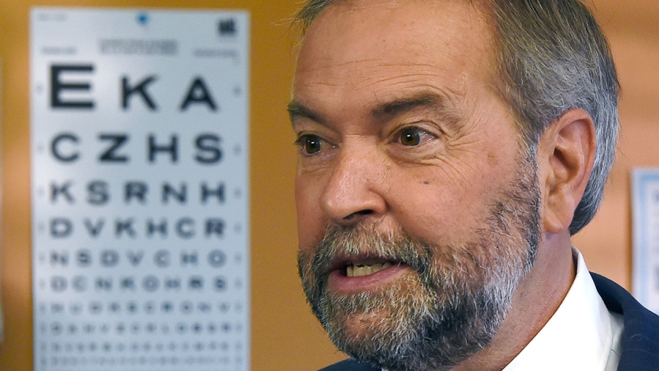 NDP Leader Tom Mulcair makes a campaign stop at Mid-Main Community Health Centre in Vancouver, on Monday, Sept. 14, 2015. (Sean Kilpatrick / THE CANADIAN PRESS)