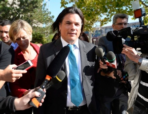 The Crown dropped Senate expense-related charges against Sen. Patrick Brazeau on Wednesday morning.