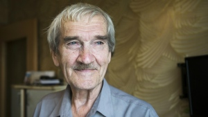 Former Soviet missile defence forces officer Stanislav Petrov in Fryazino, Moscow region, Russia, on Aug. 27, 2015. (Pavel Golovkin / AP)