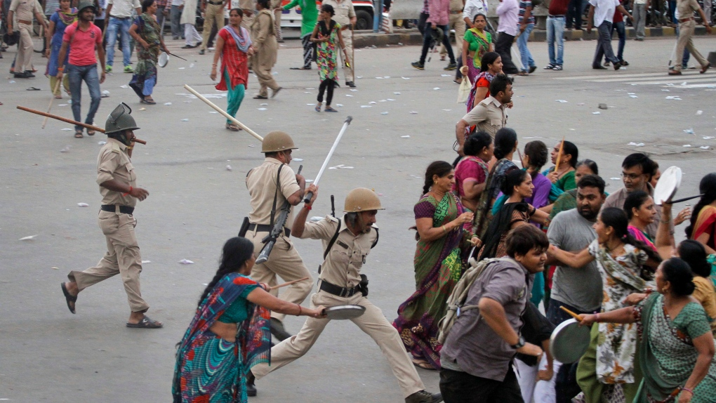 Clashes in India after populat caste leader detain
