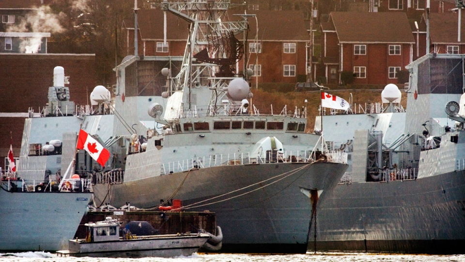 Two Canadian navy frigates in Halifax on Nov. 17, 2006. (Andrew Vaughan / CP)