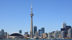 Air Canada has launched a new program that will allow international flyers to make a stopover in Toronto for free. (Ronald Sumners / shutterstock.com)