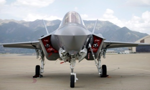 An F-35 jet sits on the tarmac at its new operational base Wednesday, Sept. 2, 2015, at Hill Air Force Base, in northern Utah. (Rick Bowmer/The Canadian Press)