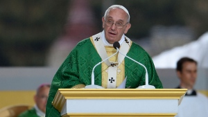 Pope Francis delivers a final Mass at the World Meeting of Families at Benjamin Franklin Parkway in Philadelphia on Sunday, Sept. 27, 2015. (CJ Gunther / Pool Photo)
