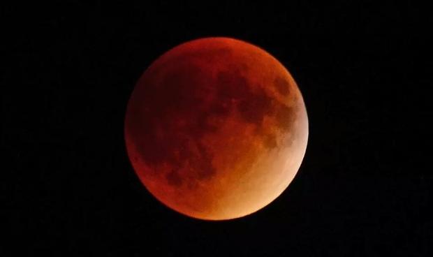 red moon 2019 winnipeg - photo #2
