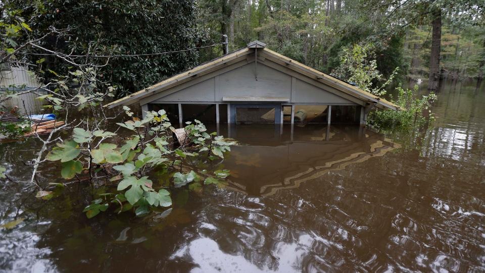 Historic South Carolina Flooding Leaves Homes Damaged 17