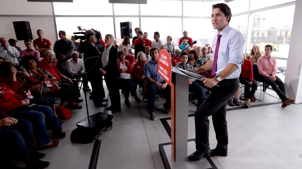 Liberal Leader Justin Trudeau speaks at a campaign event in London, Ont., on Wednesday, Oct. 7, 2015. (Paul Chiasson / THE CANADIAN PRESS)