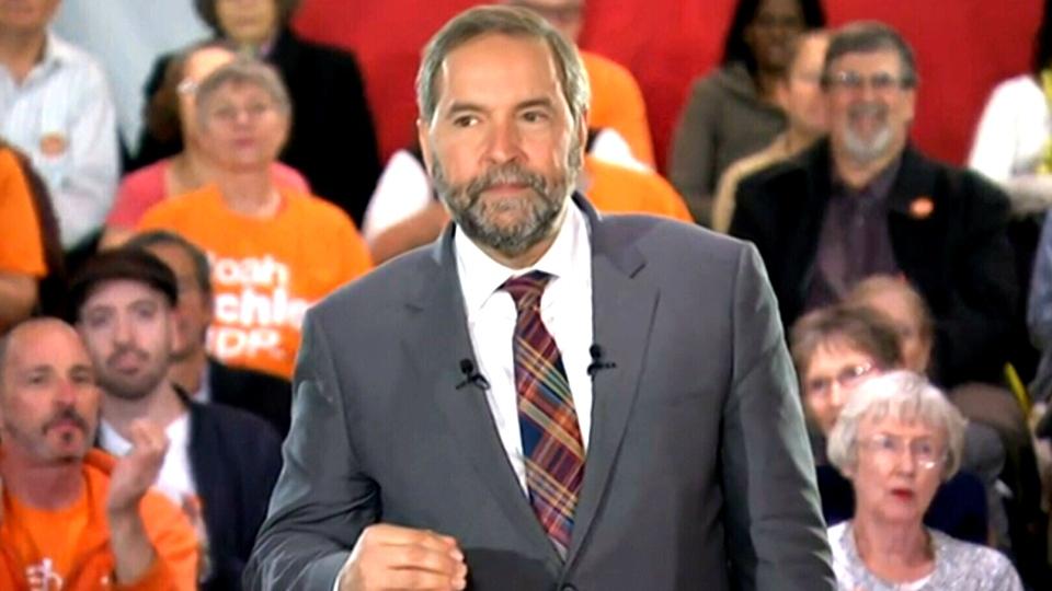 NDP Leader Thomas Mulcair speaks to the media in Toronto, Oct. 8, 2015.