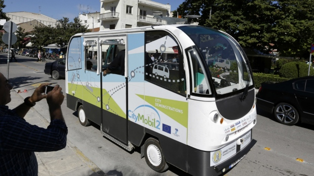 Driverless buses in Greece