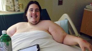 Steven Assanti, 33, rests in bed at Kent Hospital in Warwick, R.I., on Oct. 12, 2015. (Jennifer McDermott / AP)