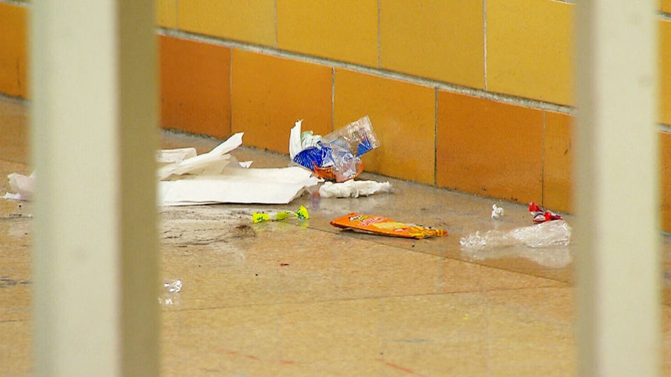 Litter Piling Up In Ontario Schools As Work To Rule Drags