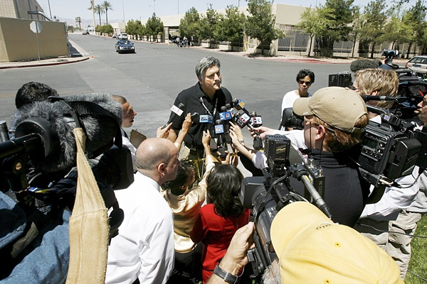 One dead in Las Vegas parking lot explosion | CTV News