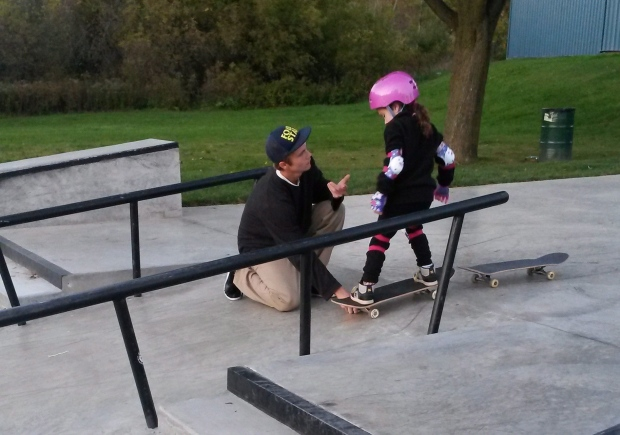 Skateboarding teen helps Ontario girl
