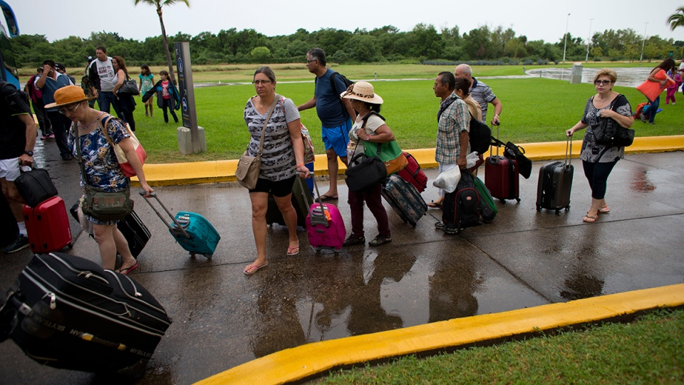 Reschedule Relocate Hurricane Affects Canadians Mexico Travel