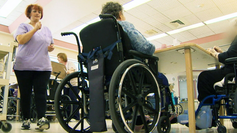 Seniors living in private nursing homes are more likely to die within six months of their stay than those living in non-profit facilities, a group of researchers has found.