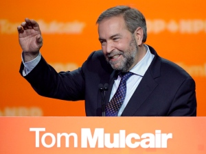 NDP Leader Tom Mulcair speaks to supporters, Monday, Oct. 19, 2015 in Montreal. (Ryan Remiorz / THE CANADIAN PRESS)