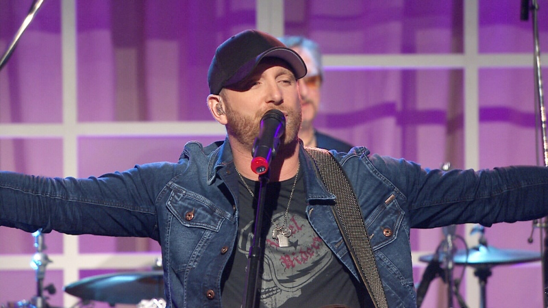 Canada AM: Tim Hicks performs
