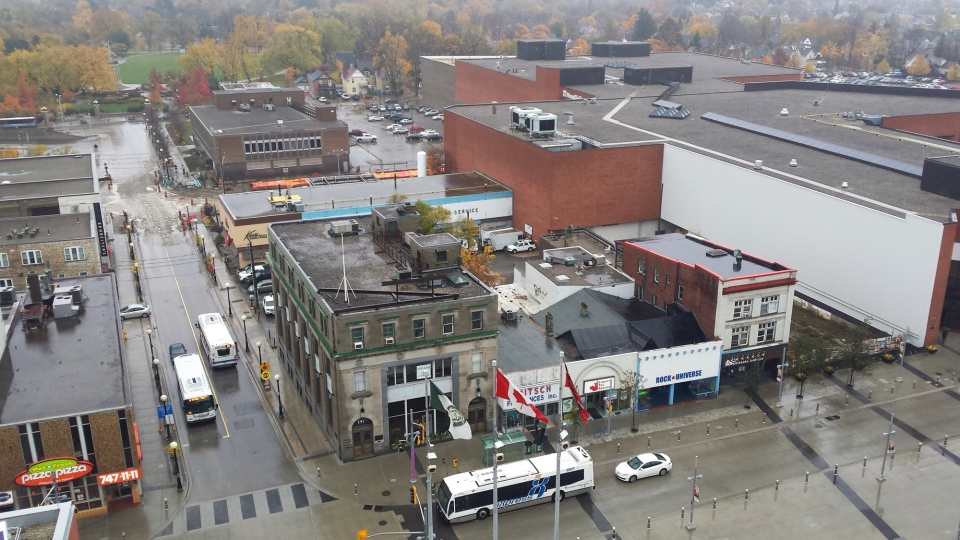 Rain soaks downtown Kitchener on Wednesday, Oct. 28, 2015. (Dan Lauckner / CTV Kitchener)