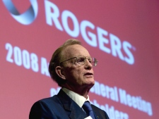 Rogers Communications Inc. President and CEO Ted Rogers speaks to shareholders at the company's annual general meeting in Toronto, Tuesday, April 29, 2008. (Adrian Wyld / THE CANADIAN PRESS)