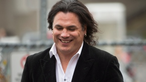 Sen. Patrick Brazeau leaves the Gatineau Courthouse in Gatineau, Quebec, on Wednesday, Oct. 28, 2015. (Sean Kilpatrick / THE CANADIAN PRESS)