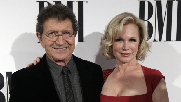 Mac Davis honoured at music awards
