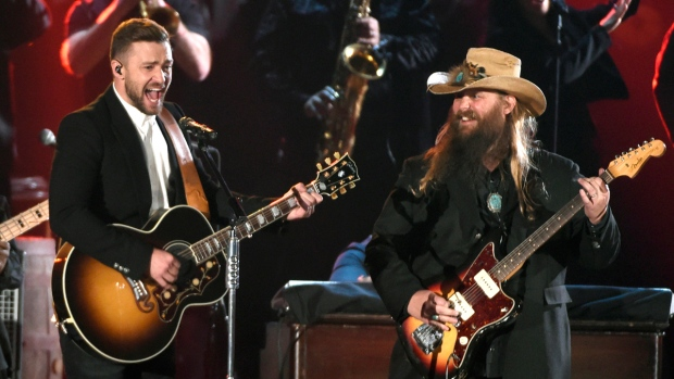 Justin Timberlake, left, and Chris Stapleton perform at the 49th annual CMA Awards at the Bridgestone Arena in Nashville, Tenn., on Wednesday, Nov. 4, 2015. (Chris Pizzello / Invision)