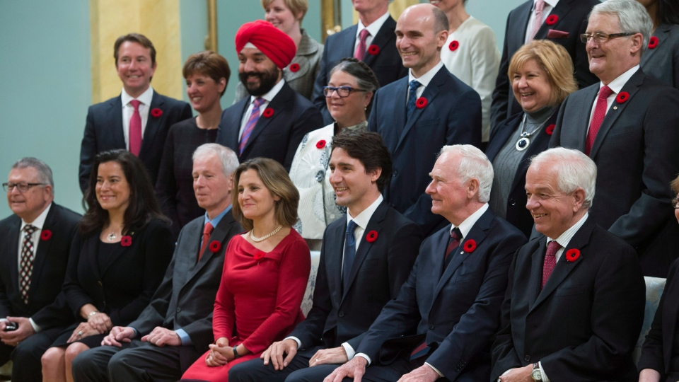 Gov. Gen. David Johnston joins Prime Minister Justin Trudeau and his new cabinet for a photo at Rideau Hall, in Ottawa, on Wednesday, Nov. 4, 2015. (Sean Kilpatrick / THE CANADIAN PRESS)