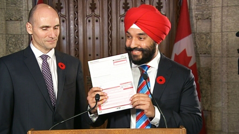 Minister of Innovation, Science and Economic Development Navdeep Bains and Minister of Families, Children and Social Development Jean-Yves Duclos announce the reinstatement of the long form census on Thursday, Nov. 5, 2015.