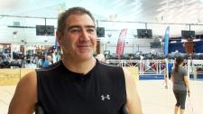 Quebec amputee plays badminton